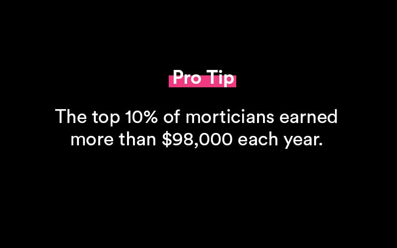 how much do morticians make
